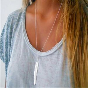 Jewelry - Feather Pendant Necklace